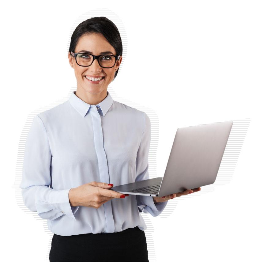 Managerin freut sich über das Patchmanagement von Deskcenter