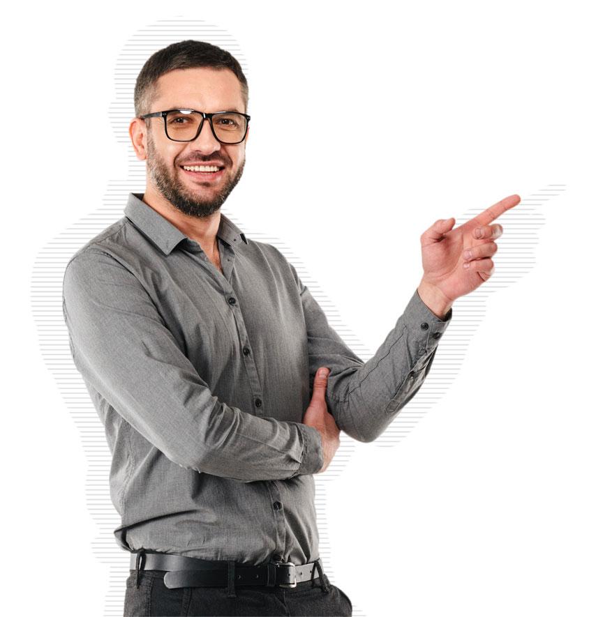 Software-Manager mit Brille und Hemd