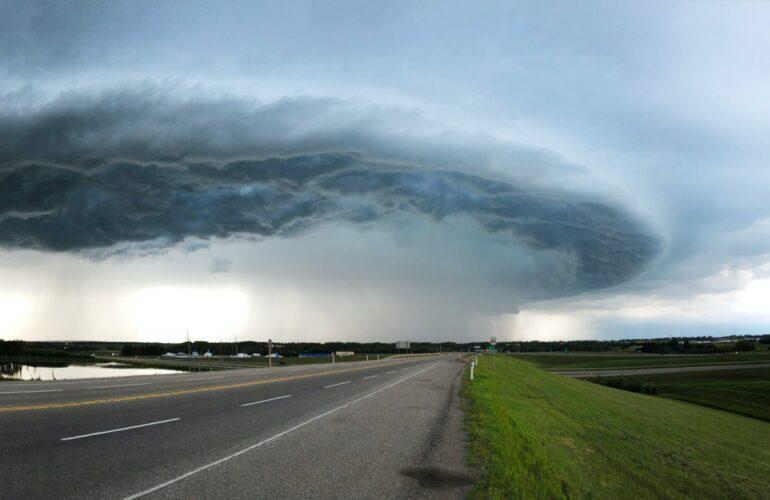 tornado gefährdet softwarehosting